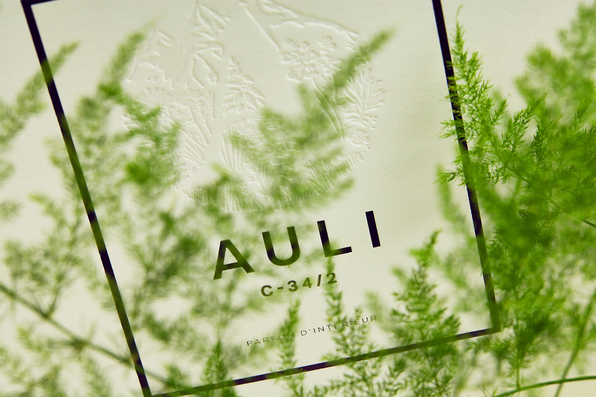 AULI London packaging