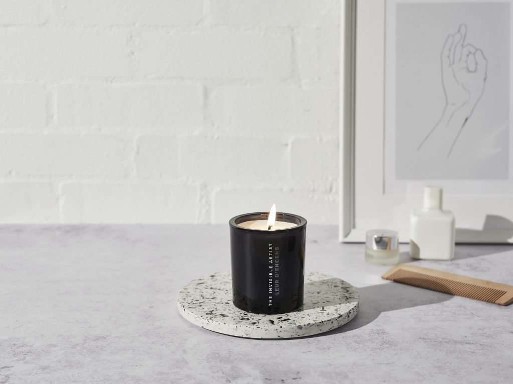 Relax with Auli London scented candle made with 100% natural essential oils